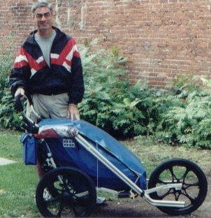 Jean ketika meninggalkan rumahnya di Montreal, Kanada pada 18 Ogos 2000