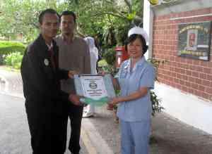 Cenderahati AMAL kepada Hospital Miri