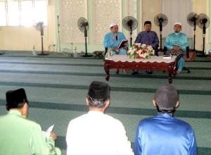 Moderator Saudara Arif memulakan forum