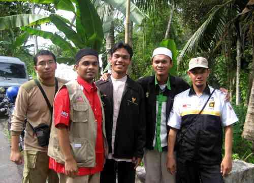 Bersama Dr Rosli Alliani dan Teman-teman PKS