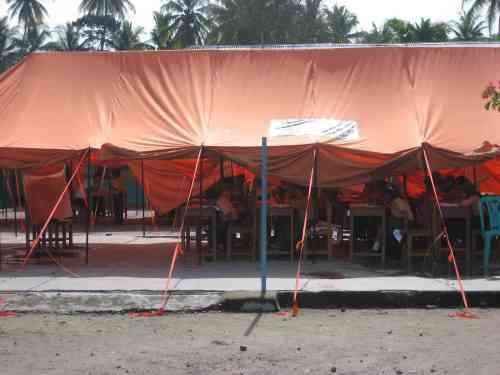 Sekolah Darurat pasca gempa